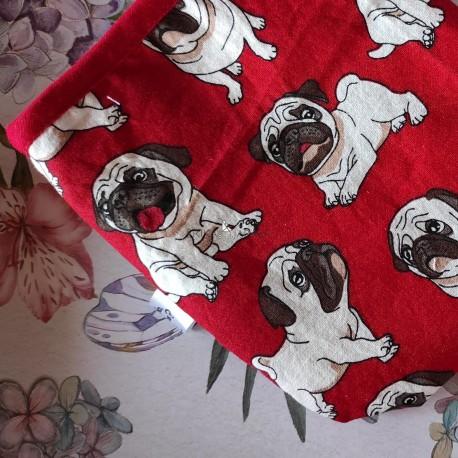Bolsa porta mascarillas perrito fondo rojo