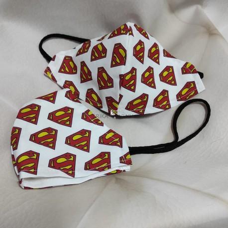 Mascarilla (HIDROFUGA-ANTIBACTERIA) niño logo Superman con gomas en la cabeza