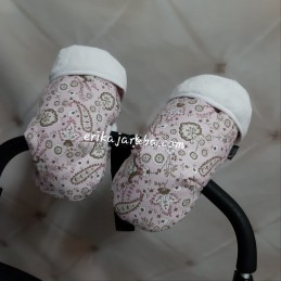 Manoplas cachemir con fondo rosa y pelo blanco